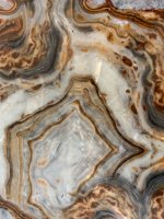 Lumi-Onyx_Calabria_with Mother-of-Pearl effect substrate (1).jpg